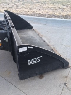 "MDS 84"" Flat Bottom 90 Degree Bucket with Cutting Edge"